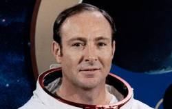 Edgar Mitchell: we have seen a UFO in space during the landing on the moon